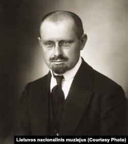 Другий президент Литовської Республіки Александрас Стульгінскіс теж потрапив у чорний список за свою клерикальну політику. У 1952 році його засудили до 25 ув'язнення, але через два роки звільнили