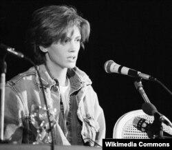 Julia Roberts, 1990