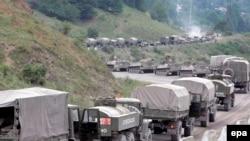 Ռուսական զորքերը շարժվում են դեպի Հարավային Օսիայի մայրաքաղաք Ցխինվալ, 10-ը օգոստոսի, 2008թ.