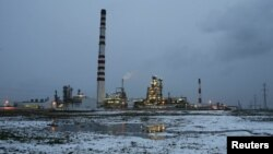 Ачинск мұнай кен орыны. Ресей, 23 қазан 2012 жыл. (Көрнекі сурет)