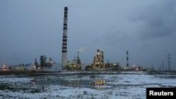 Роснефть-ի նավթավերամշակման գործարանը ռուսաստանյան Աչինսկ բնակավայրի մոտ, արխիվ