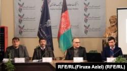 سلام رحیمی وزیر دولت در امور صلح در یک نشست در مورد صلح در کابل