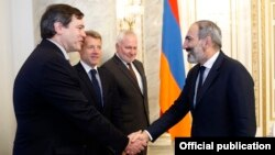 Armenia - Prime Minister Nikol Pashinian (R) meets with the U.S., Russian and French co-chairs of the OSCE Minsk Group in Yerevan, 13 June 2018.