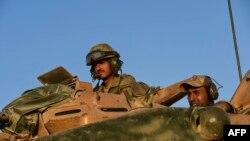 Сирия-Түркия чек арасындагы түрк аскерлери.