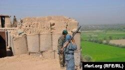 صالح: نظام کې دننه ځينو کسانو د امنیتي ځواکونو روحیه کمزورې کړې.