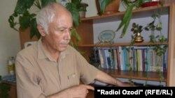 Нависандаи шинохта Баҳманёр Аминӣ.