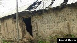 Дом, разрушенный в результате землетрясения в Таджикистане.