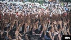 جشن و پایکوبی مردم تبریز پس از صعود ایران به جام جهانی. عکس مهرورز احمدی