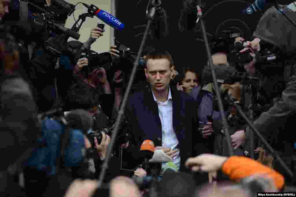 В качестве моральной компенсации собравшимся было предложено отправиться на экскурсию по Кирову