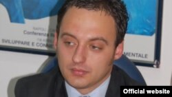 Министерот за труд и социјала Спиро Ристовски.