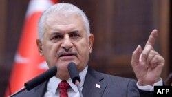 Թուրքիայի վարչապետը մեկնում է ԱՄՆ՝ դիվանագիտական ճգնաժամը հարթելու