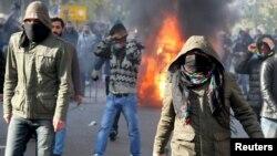 در روزهای اخیر شهر دیاربکر شاهد تظاهراتهای بسیاری علیه دولت اردوغان بوده که اغلب آنها به خشونت کشیده شده است