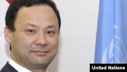 Киргистанскиот министер за надворешни работи Руслан Казакбаев