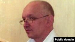 """Тіркелмеген """"Алға"""" партиясының жетекшісі Владимир Козлов сотта отыр. Ақтау, 13 қыркүйек 2012 жыл. Сурет """"Алға"""" партиясының Twitter акаунтнан алынды."""