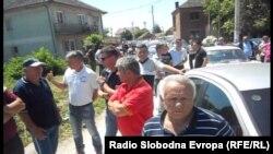 Протест за изградба на пат Кривогаштани-Воѓани.