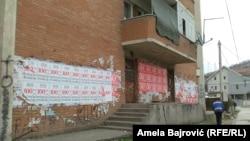Novi Pazar oblepljen plakatima o bošnjačkom jedinstvu