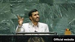 آقای احمدی نژاد گفته بود در نظر دارد در شورای امنیت سازمان ملل متحد، از «حق هسته ای ایران» دفاع کند