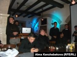Тренингке қатысушы MIB клубының мүшелері. Алматы, 7 тамыз 2014 жыл.