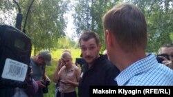 Олег Навальный сразу после выхода из колонии.