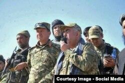 Первый вице-президент Афганистана Абдул-Рашид Дустум возглавляет отряд против повстанцев в прошлом году.