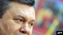 World leaders are congratulating Viktor Yanukovych on his victory in the February 7 runoff.