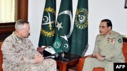 د ناټو او امریکايي ځواکونو قوماندان جنرال جان الن او د پاکستاني پوځ مشرجنرال اشفاق کیاني غونډه لري