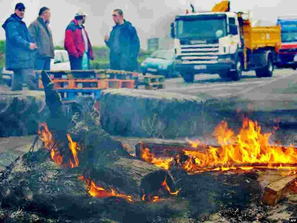 Французике рыбаки блокируют дороги, протестуя против уменьшения квот вылова