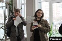 Сергей Командиров (справа)