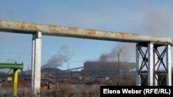 Дымящие трубы в Темиртау, Карагандинская область. Иллюстративное фото.