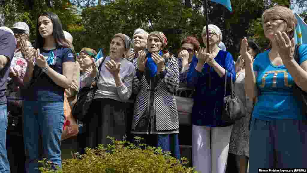 Участники акции провели коллективный молебен в память о погибших в годы депортации