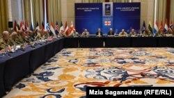 В ходе заседания члены Военного комитета НАТО ознакомились с ситуацией в области безопасности и обсудили положение в Черноморском регионе