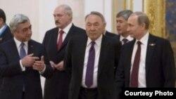 Москвадагы ЕАЭБ мамлекет башчыларынын жыйыны.