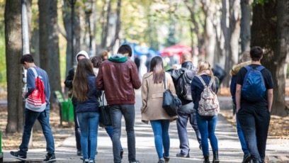 Konkretna rješenja izostaju, dok se broj mladih koji napuštaju BiH svakodnevno povećava, upozoravaju iz KULT-a