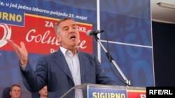 Milo Đukanović na predizbornom skupu u Golubovcima,16 maj 2010., foto: Savo Prelević