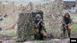 """În timpul exercițiilor militare """"Nordic shield -2015"""", de la Bălți"""