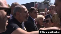 Премьер-министр Армении Никол Пашинян в городе Джермук