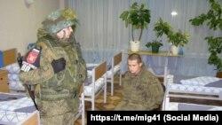 Рамиль Шамсутдинов, задержанный военной полицией.