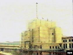 Північнокорейський ядерний реактор у Йонбйоні, фото 1992 року
