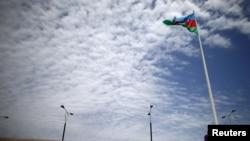 Баку. Флаг Азербайджана. Архивное фото