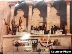 1989 - Timișoara, decembrie, se înființează FSN (foto Mihai Carp)