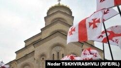 Поддержкой Православной церкви в Грузии пытаются заручиться самые разные политические силы
