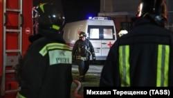 Қутқарувчилар касалхонадан 150 беморни эвакуация қилган.