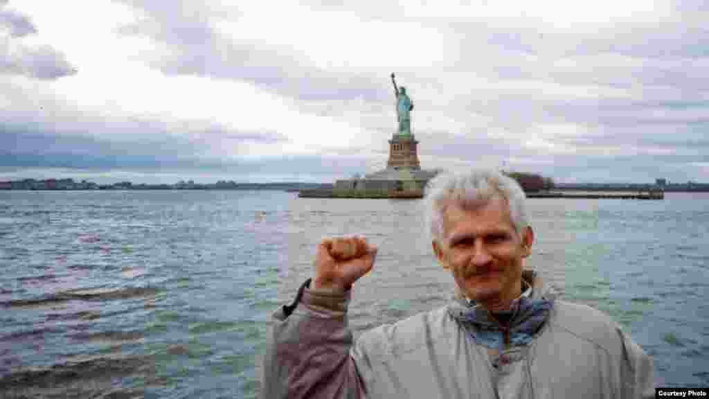 Каля статуі Свабоды. Нью-Ёрк, 2007 г.