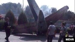 Pamje nga rrëzimi i aeroplanit në aeroportin Mehrabad
