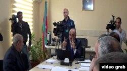 Председатель Государственного Фонда социальной защиты Салим Муслимов принимает граждан в Хачмазском отделе фонда, 10 апреля 2013