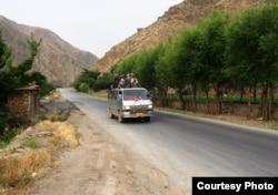 Афганский автобус. Фото из личного архива Виталия Серба