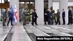 Правительства Саакашвили–Мерабишвили в Грузии больше нет. Теперь очередь Иванишвили