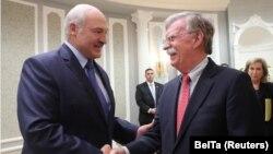 Александр Лукашенко менен Жон Болтон. Минск, 29-август, 2019-жыл.