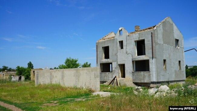 Добровольно демонтированный дом Вадима Кузнецова на бывшем лавандовом поле