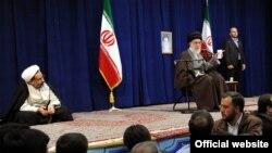 بازدید شش ساعته آیتالله خامنهای از وزارت اطلاعات در ۱۳ اسفند ۸۹